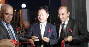 Abdelhamid Achaïbou, à gauche, ne lésine pas sur les efforts et les moyens pour poursuivre son activité