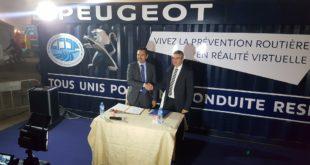 MM Yves Peyrot des Gachons, président directeur général de Peugeot Algérie et Ahmed Nait El-Houcine directeur général du CNPSR