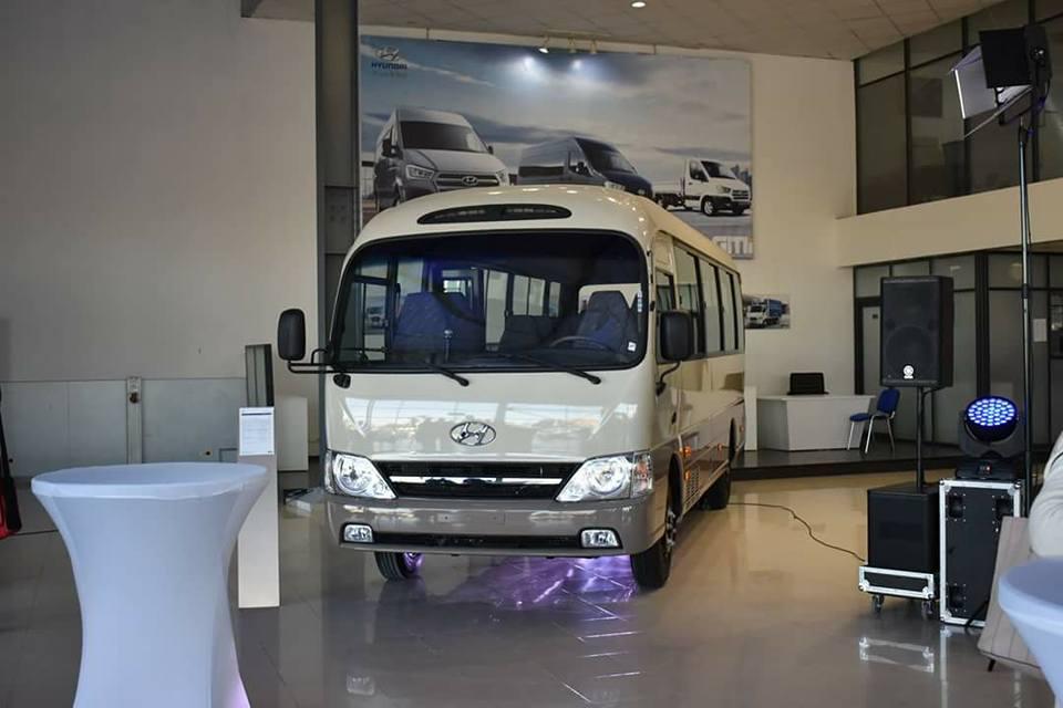 Global Motors Industries Livre Les Premiers Bus County