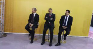 Hichem Nacer-Bey, directeur commercial Renault Algérie, au milieu